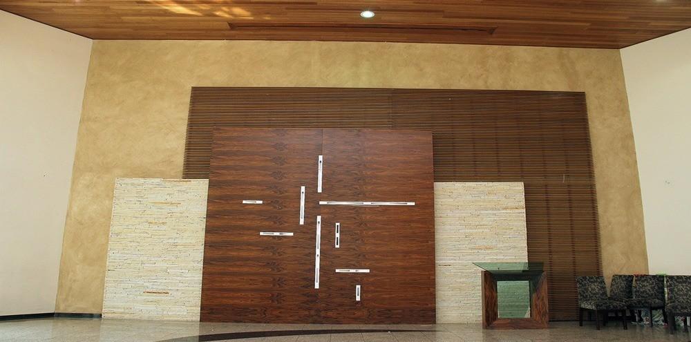 Qual madeira usar para painel ripado?