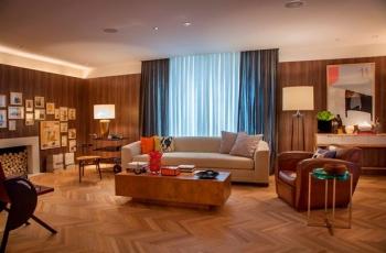 Descubra as cores ideias para combinar com seu piso de madeira