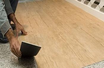 Conheça as 5 vantagens do piso vinílico para sua casa