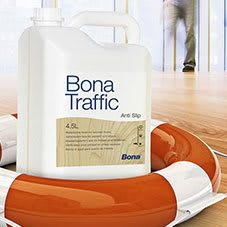 Raspagem e aplicação de resina Bona